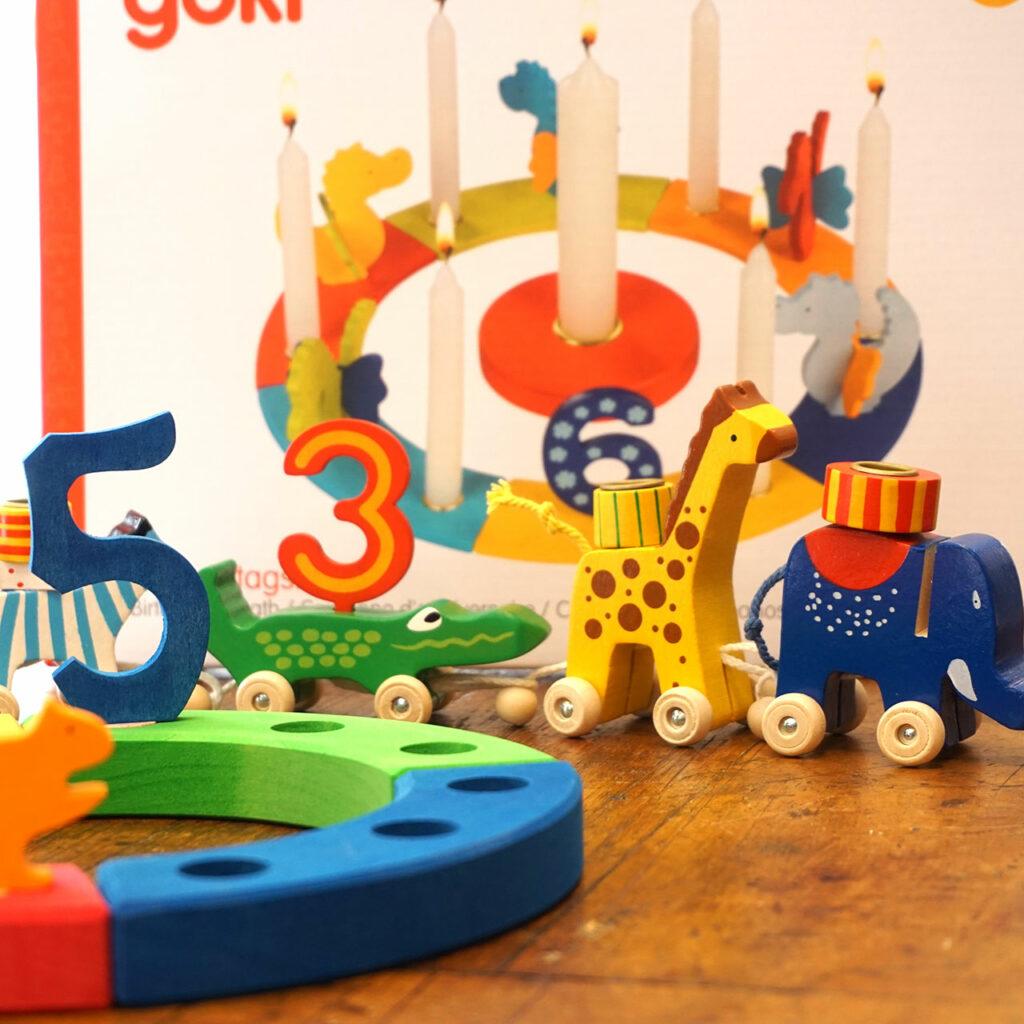 Geburtstagszubehör aus Holz, Kerzen, Geburtstagszug